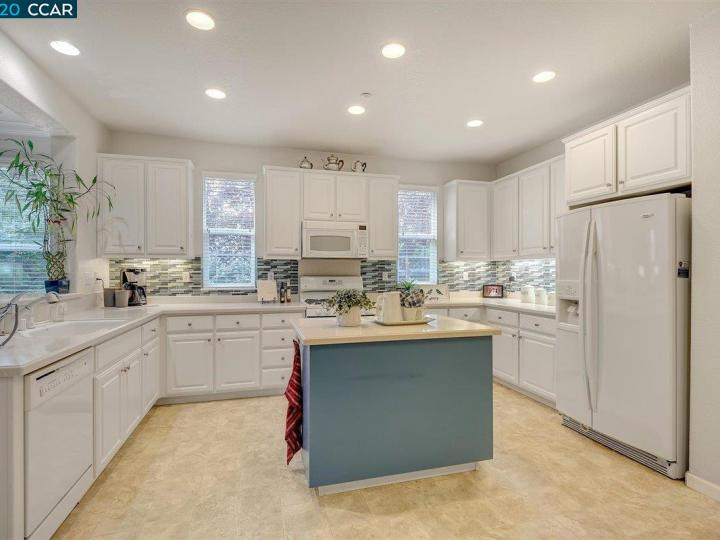 1446 Paradise Ln Brentwood CA Home. Photo 7 of 15