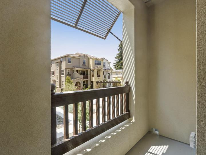 270 Ariana Pl, Mountain View, CA, 94043 Townhouse. Photo 11 of 32