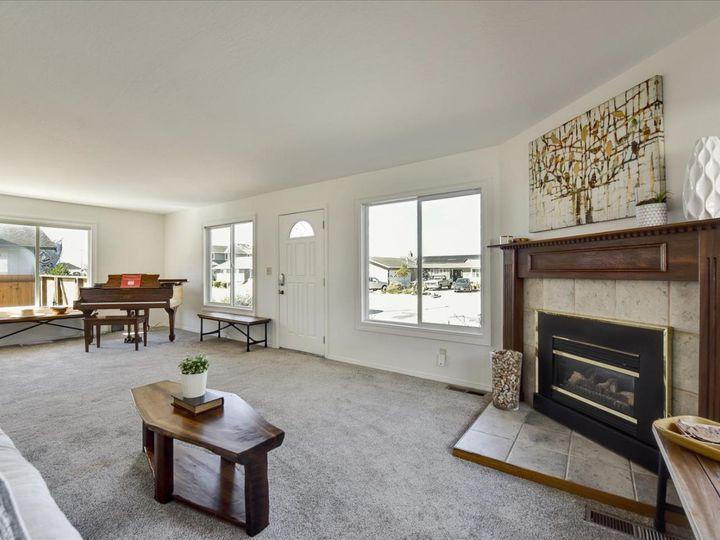 551 Terrace Ave Half Moon Bay CA Home. Photo 3 of 40