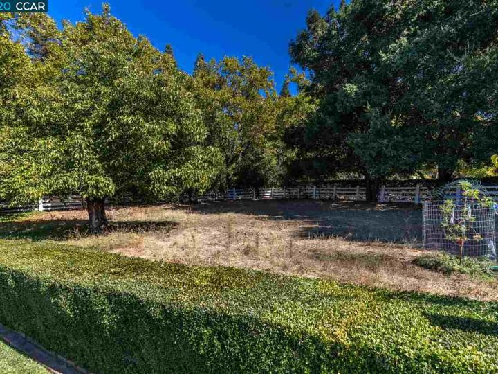 7661 Foothill Rd Pleasanton CA Home. Photo 17 of 37
