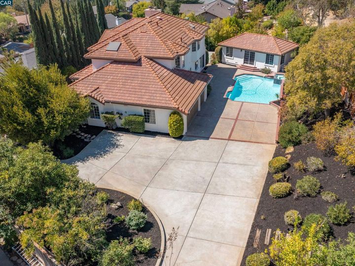 822 Navaronne Way Concord CA Home. Photo 4 of 40
