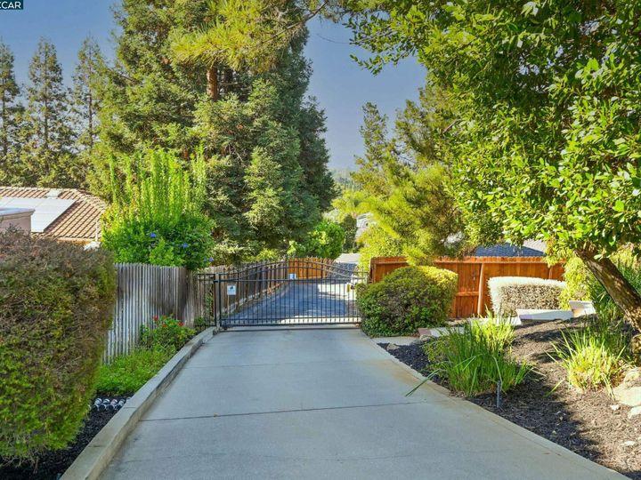 822 Navaronne Way Concord CA Home. Photo 6 of 40