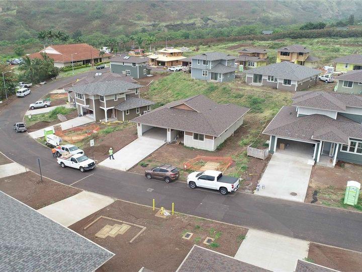 84-55 Maiola Pl Waianae HI Home. Photo 2 of 9