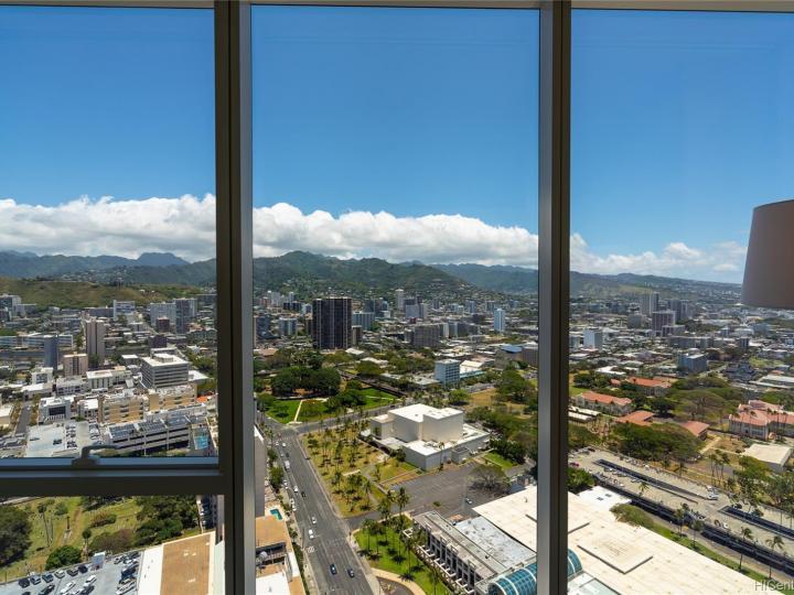Symphony Honolulu condo #4202. Photo 14 of 25