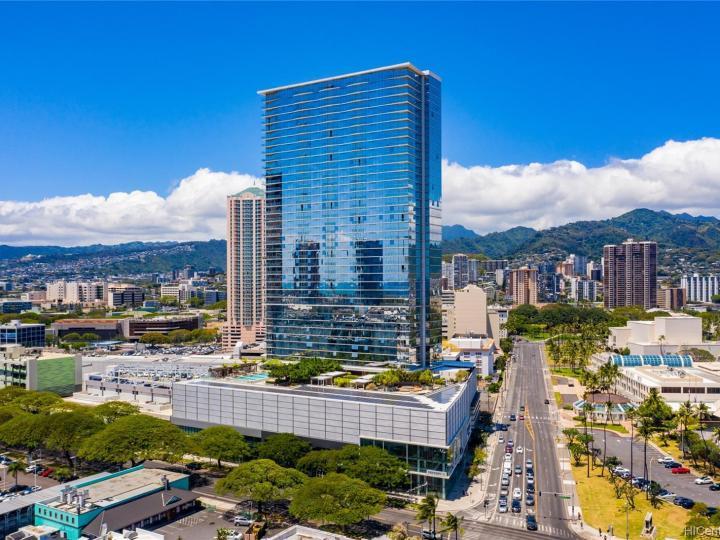 Symphony Honolulu condo #4202. Photo 20 of 25