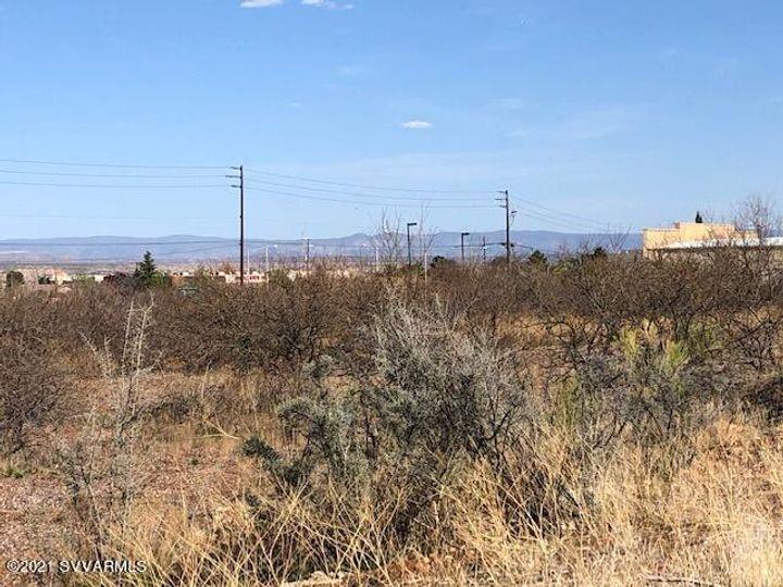D & E W  Az89a Cottonwood AZ Home. Photo 9 of 12