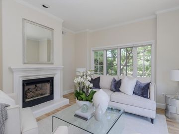 1 W Edith Ave unit #C212, Los Altos, CA