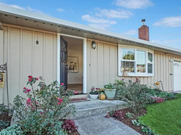 1006 Bancroft Ave, Half Moon Bay, CA