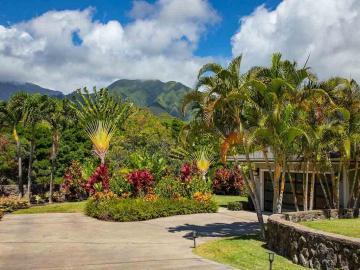 111 Kamaiki Cir, Maui Lani, HI