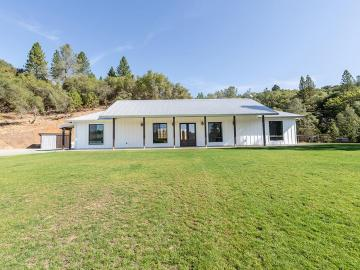 13902 Shake Ridge Rd, Sutter Creek, CA