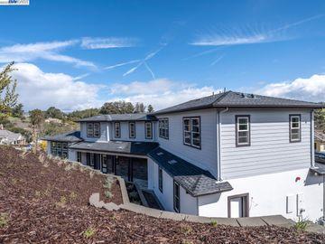 15 Oak Knoll Ct, Petaluma, CA