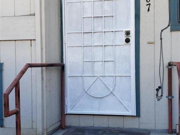 15767 Maubert Ave, Ashland, CA