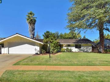 1671 Lindenwood Dr, Forest Park, CA