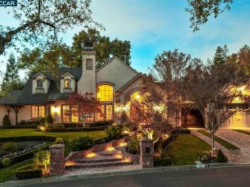 17 Saint Andrews Pl, Roundhill Country Club, CA