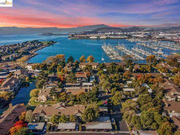 213 Shoreline Ct, Marina Bay, CA