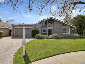2493 Bachmann Ct, Willow Glen, CA