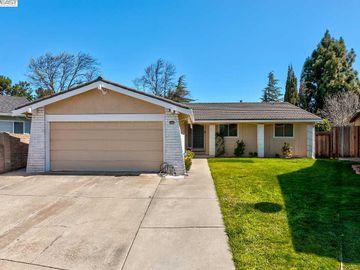 3100 Rowe Pl, Brookvale, CA