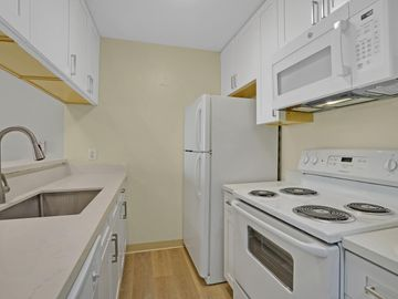 370 Imperial Way unit #226, Daly City, CA