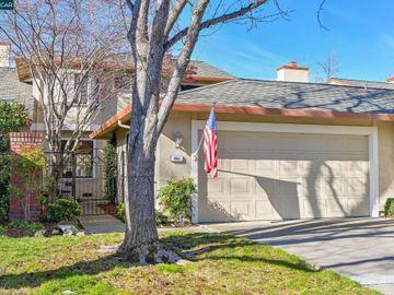 461 La Corso Cir, Bancroft Village, CA