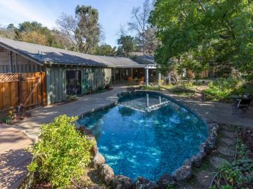 486 Valley View Dr, Loyola, CA