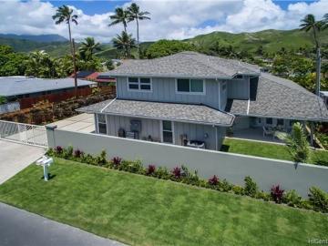 606 Kaha St Kailua HI Home. Photo 3 of 25