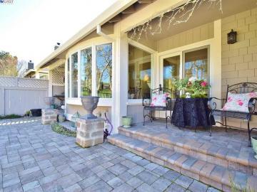 658 Doral Dr, Danville, CA, 94526 Townhouse. Photo 3 of 40