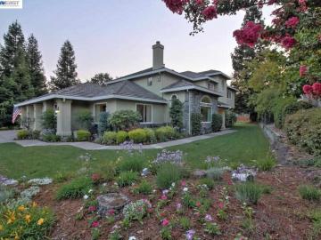 6709 Arlington Dr, Carriage Estates, CA