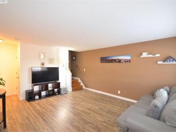 680 Fargo Ave unit #14, Washington Manor, CA