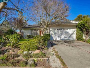 683 Thornhill Rd, Sycamore, CA