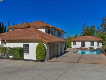 822 Navaronne Way Concord CA Home. Photo 5 of 40