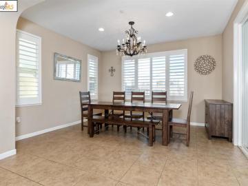 8407 Pinehollow Cir Discovery Bay CA Home. Photo 5 of 40