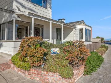 859 Ocean View Blvd Pacific Grove CA Home. Photo 4 of 38