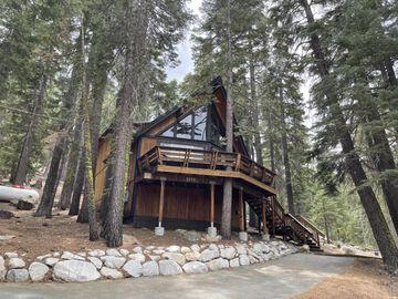9028 Glen Dr, South Lake Tahoe, CA